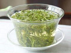 高二抒情周记:一杯绿茶,一份余香周记作文